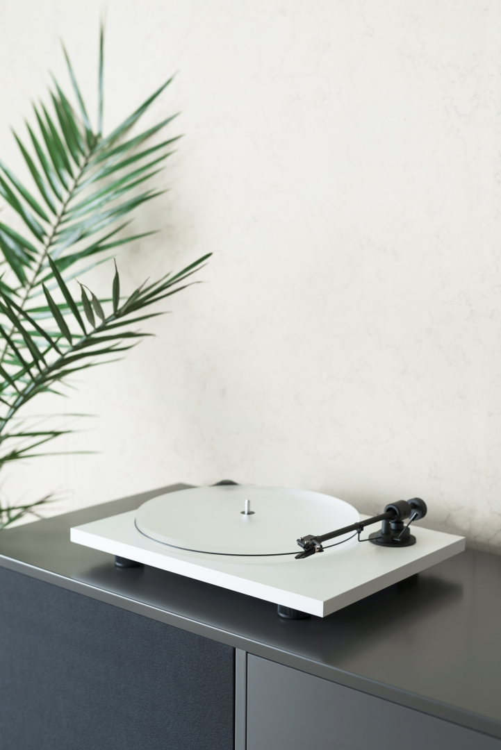 Pro Ject Primary E Phono White Life Style Store