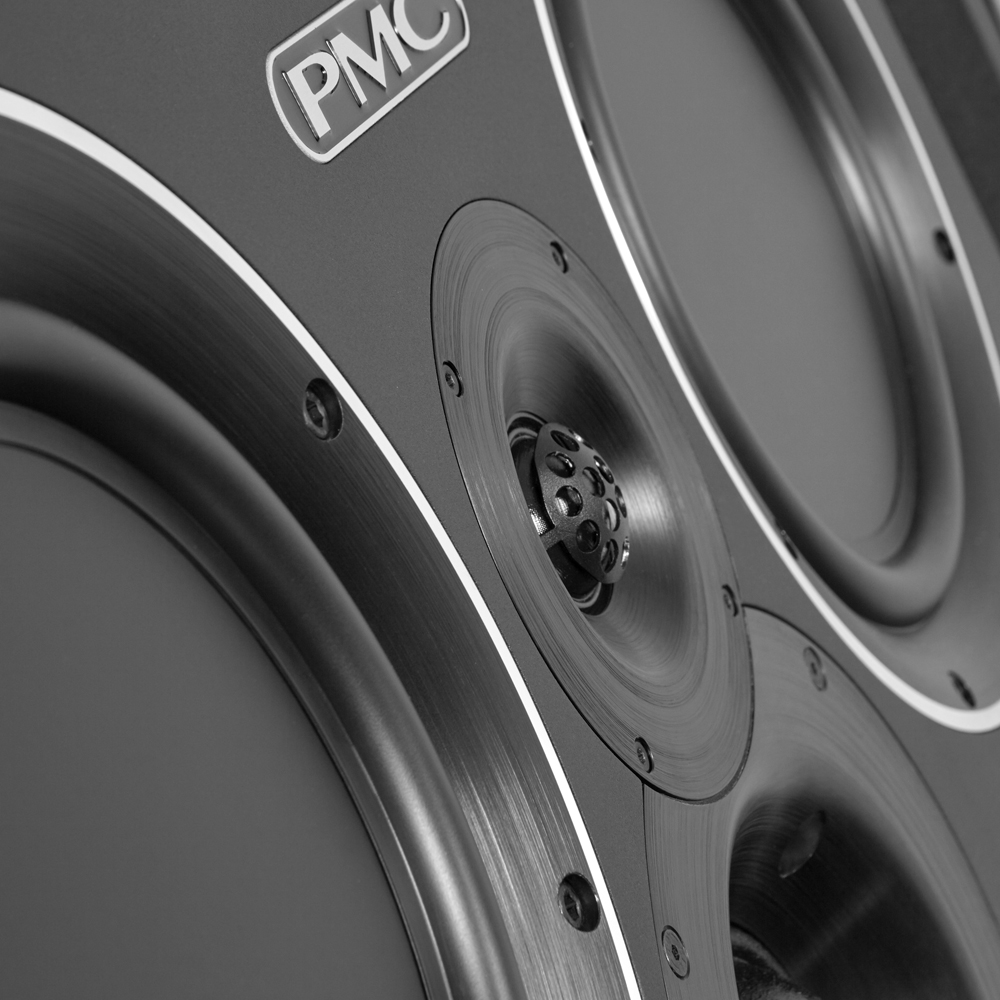 Pmc Qb1 Xbd A Close Up Life Style Store