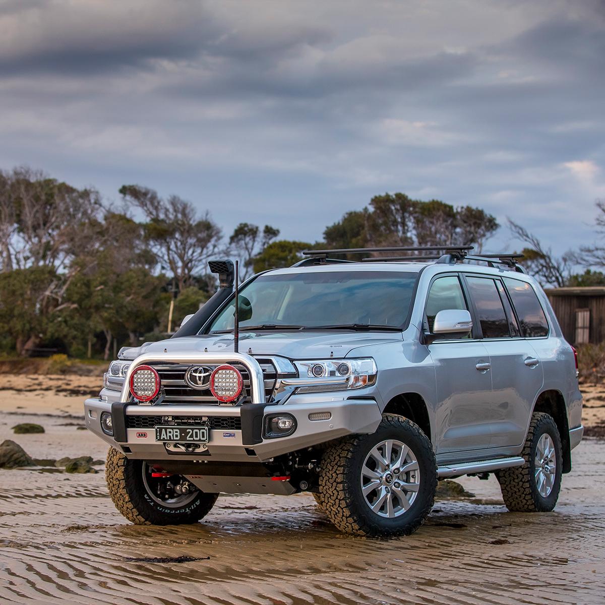 ARB Sahara Bull Bar – Toyota Land Cruiser 200 Series (2012-2015)